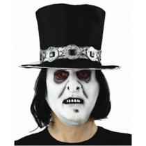 Máscara com chapéu
